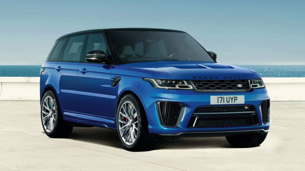The augmented reality app for the 2019 Range Rover is helpful for any new driver